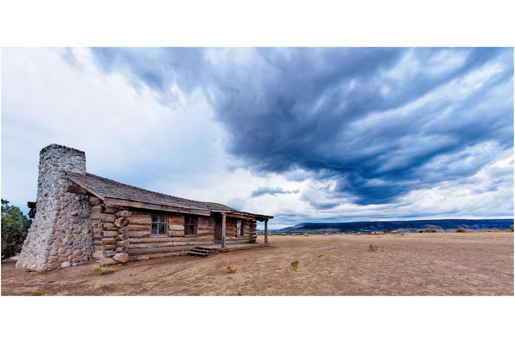 City Slickers Cabin near Ghost Ranch